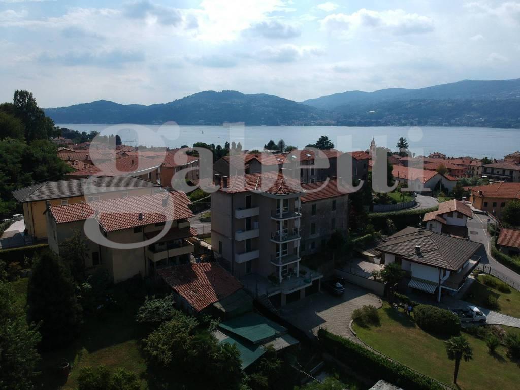 Appartamento in vendita a Ranco, 3 locali, prezzo € 330.000 | CambioCasa.it