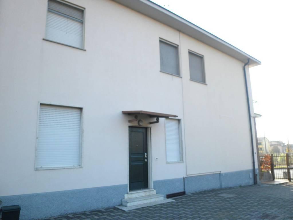 Ufficio / Studio in affitto a Trezzo sull'Adda, 3 locali, prezzo € 600 | PortaleAgenzieImmobiliari.it