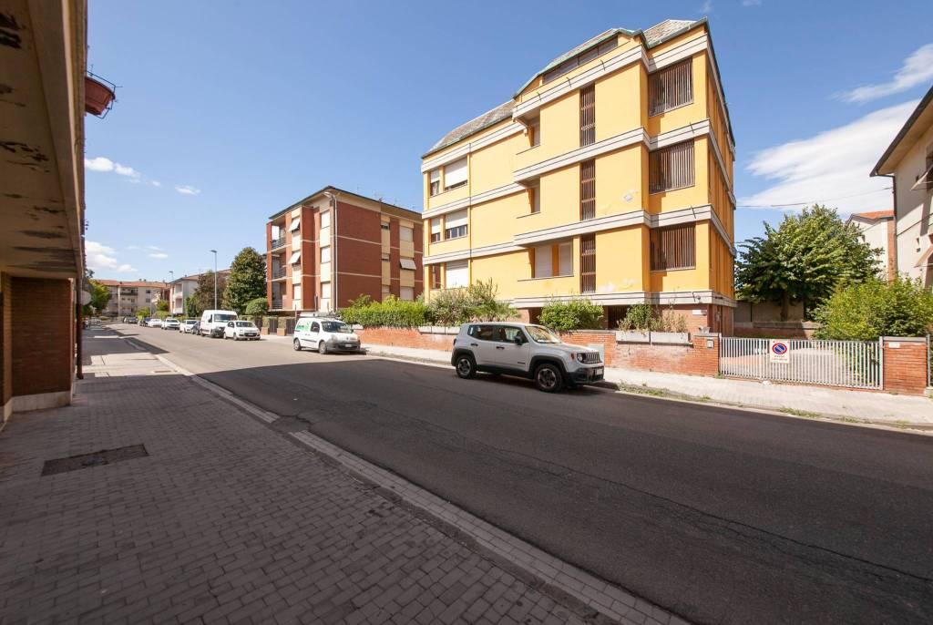Appartamento in Vendita a Pontedera Centro: 5 locali, 175 mq