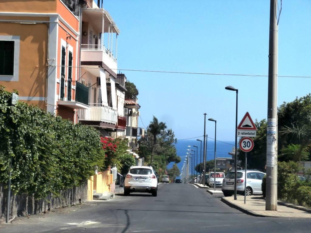 Appartamento in vendita a Aci Castello, 4 locali, prezzo € 90.000 | PortaleAgenzieImmobiliari.it