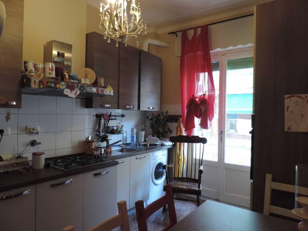 Appartamento in affitto a Genova, 3 locali, zona S.Fruttuoso-Borgoratti-S.Martino, prezzo € 480 | PortaleAgenzieImmobiliari.it