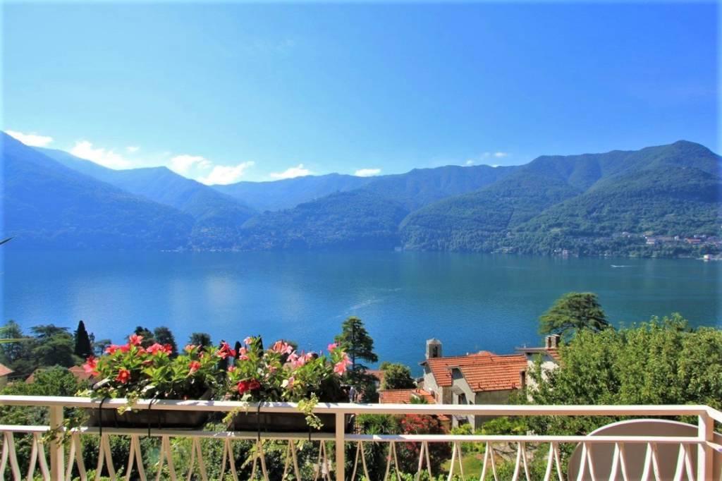 Villa in vendita a Carate Urio, 6 locali, prezzo € 680.000 | PortaleAgenzieImmobiliari.it