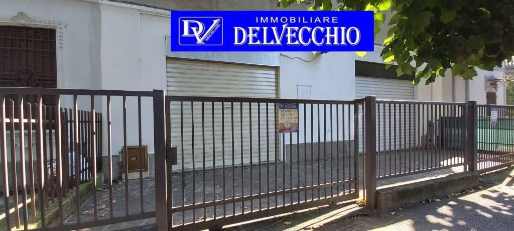Negozio / Locale in vendita a Solaro, 2 locali, prezzo € 48.000   PortaleAgenzieImmobiliari.it