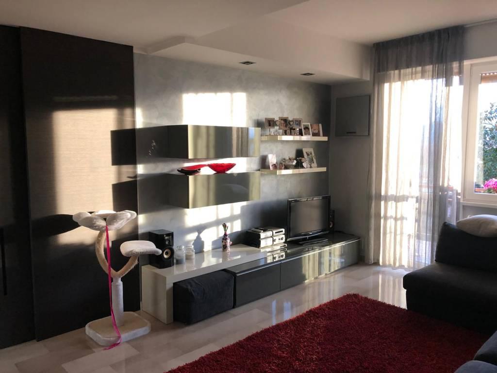 Appartamento in vendita a Oltrona di San Mamette, 3 locali, prezzo € 155.000 | CambioCasa.it