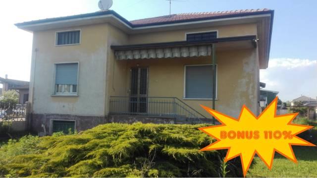 Villa in vendita a Vanzaghello, 5 locali, prezzo € 220.000 | Cambio Casa.it