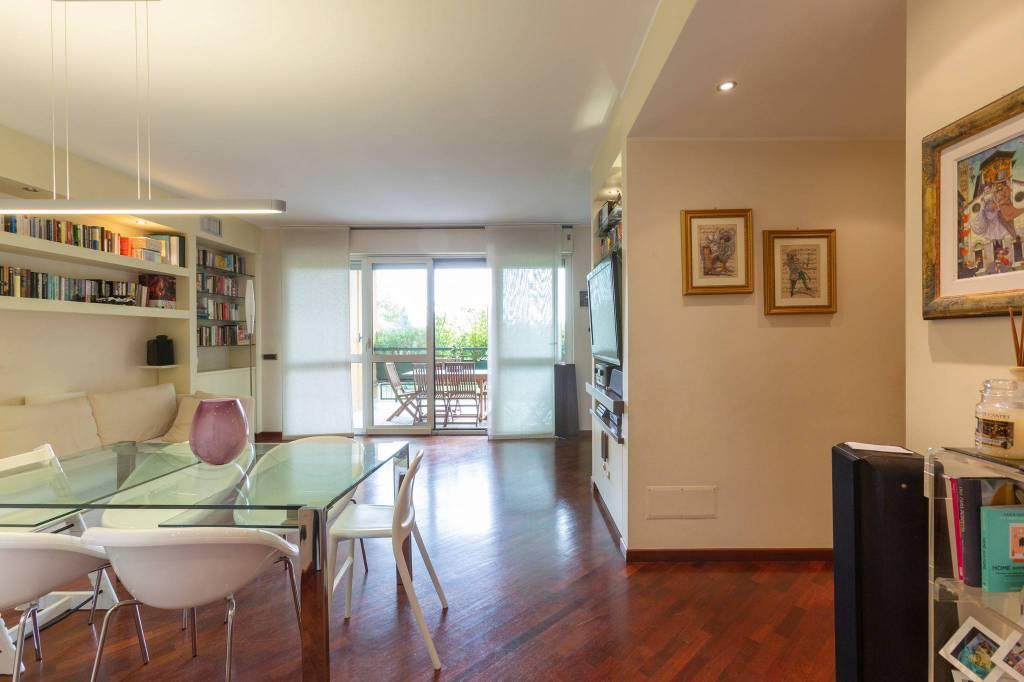 Appartamento in vendita a Segrate, 3 locali, prezzo € 320.000 | CambioCasa.it