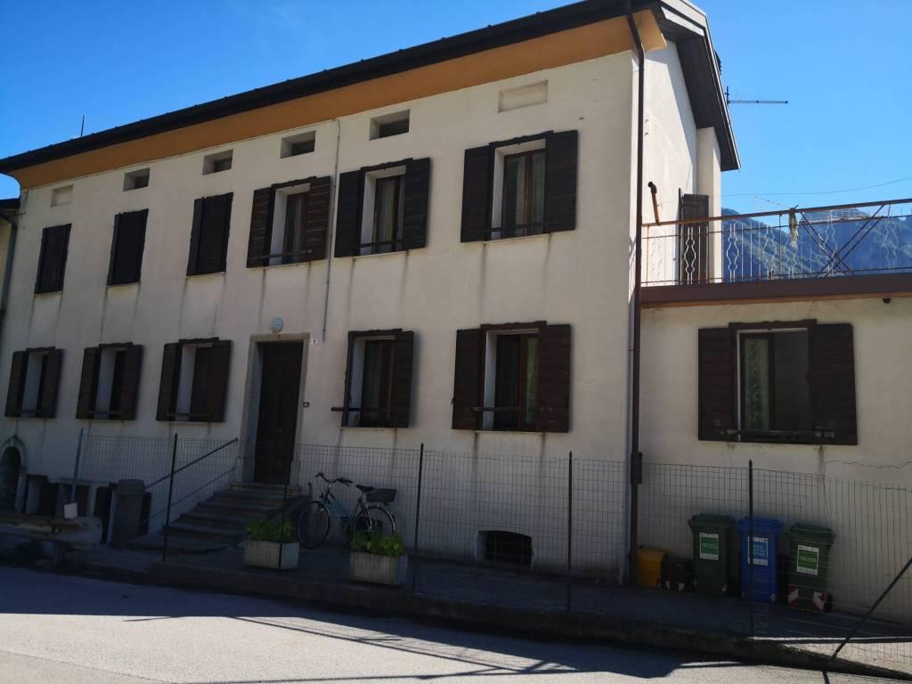 Soluzione Indipendente in vendita a Ponte nelle Alpi, 6 locali, prezzo € 105.000 | CambioCasa.it