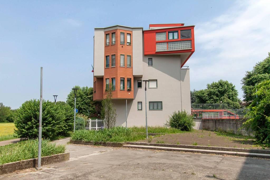 Appartamento in vendita a Bollate, 3 locali, prezzo € 129.000 | CambioCasa.it