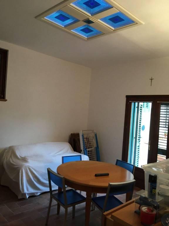 Appartamento in Affitto a Pisa Semicentro: 4 locali, 75 mq