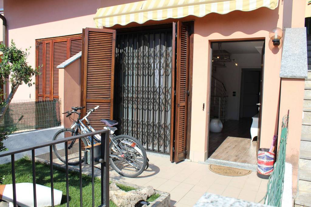 Appartamento in vendita a Lurano, 3 locali, prezzo € 136.000 | CambioCasa.it