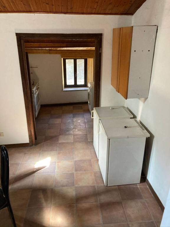 Appartamento in vendita a Capranica, 3 locali, prezzo € 45.000   CambioCasa.it