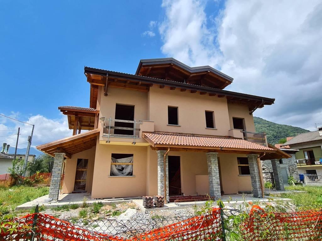 Varallo Villa bifamiliare in costruzione