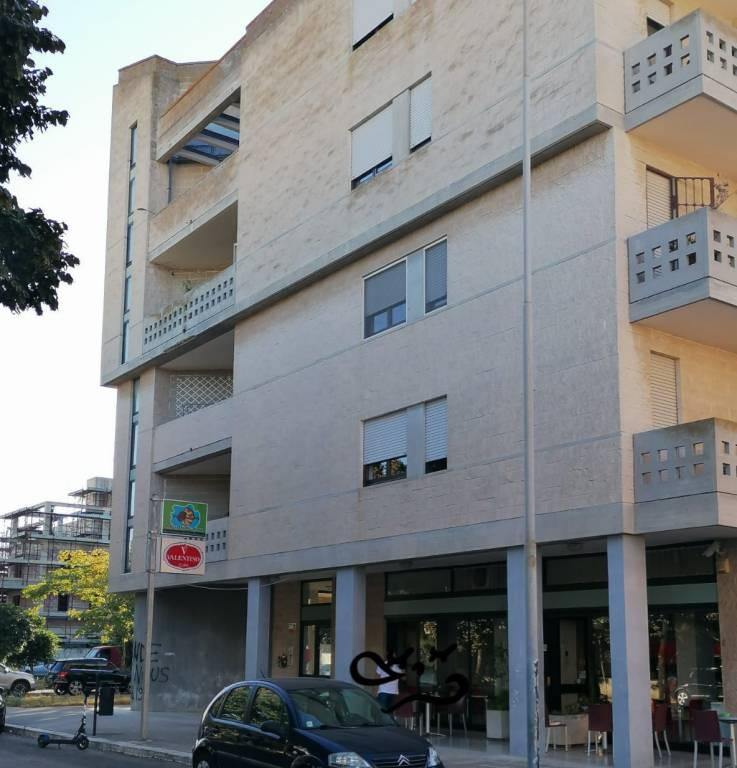 Ufficio-studio in Affitto a Lecce Centro: 4 locali, 120 mq