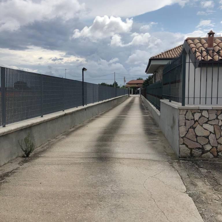 Capannone in Affitto a Foggia Periferia Sud: 2 locali, 400 mq