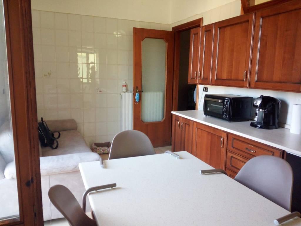 Appartamento in buone condizioni in affitto Rif. 7474372