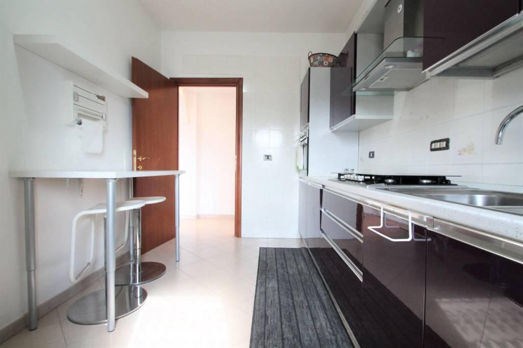 Appartamento in vendita a Cambiago, 3 locali, prezzo € 97.000 | CambioCasa.it
