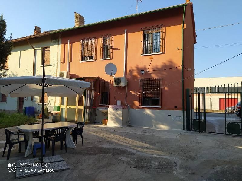 Villa in vendita a Bastida Pancarana, 3 locali, prezzo € 80.000 | CambioCasa.it