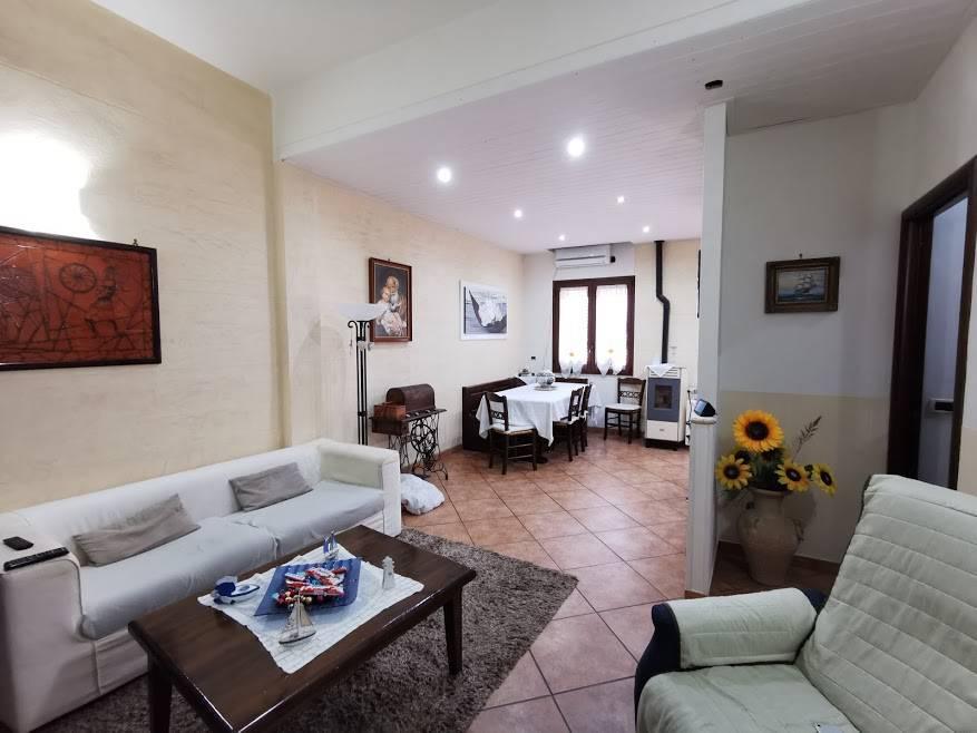 Appartamento in vendita a Cinisi, 3 locali, prezzo € 95.000   PortaleAgenzieImmobiliari.it