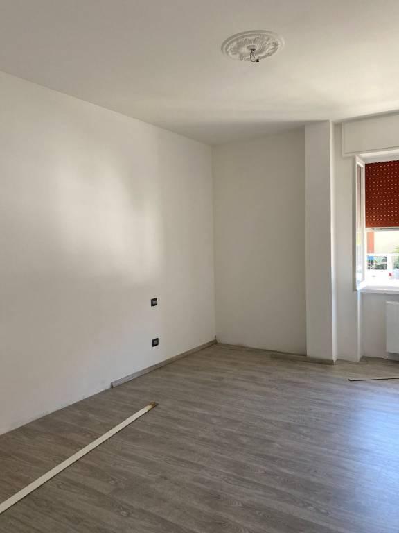 Appartamento in vendita a Como, 3 locali, zona Zona: 6 . Acquanera- Albate -Muggiò - , prezzo € 129.000 | CambioCasa.it