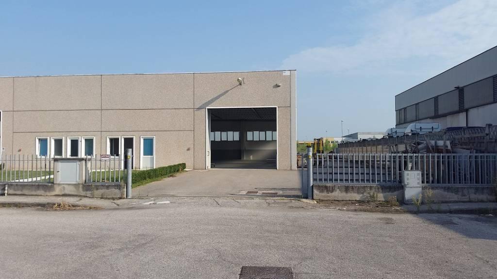 Capannone in affitto a Trevenzuolo, 1 locali, prezzo € 1.500 | PortaleAgenzieImmobiliari.it