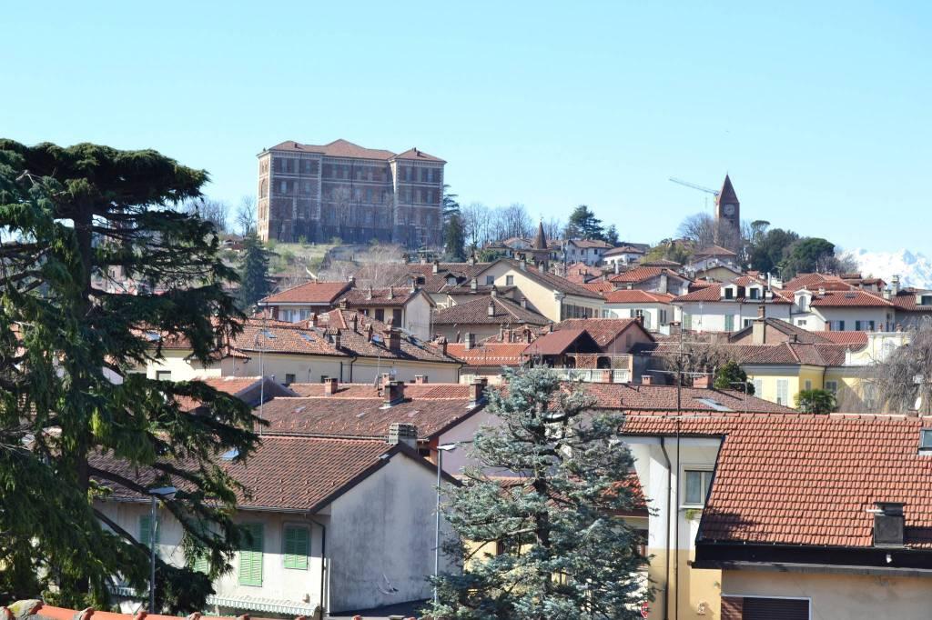 Appartamento in vendita a Rivoli, 2 locali, prezzo € 148.000 | CambioCasa.it