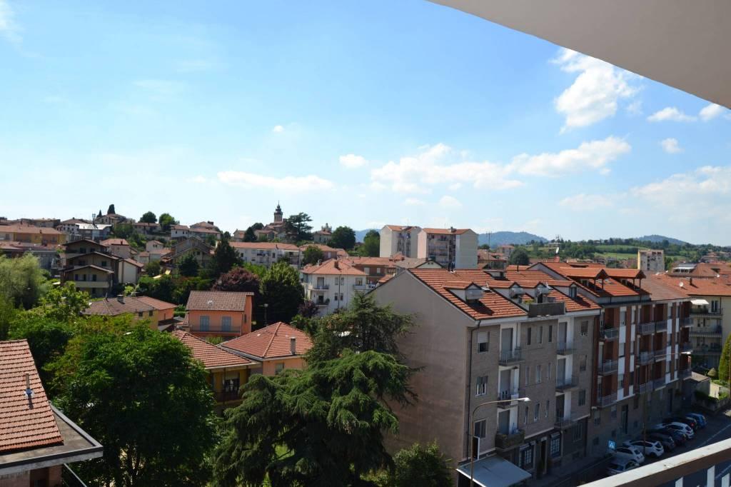 Appartamento in vendita a Chieri, 3 locali, prezzo € 85.000 | CambioCasa.it