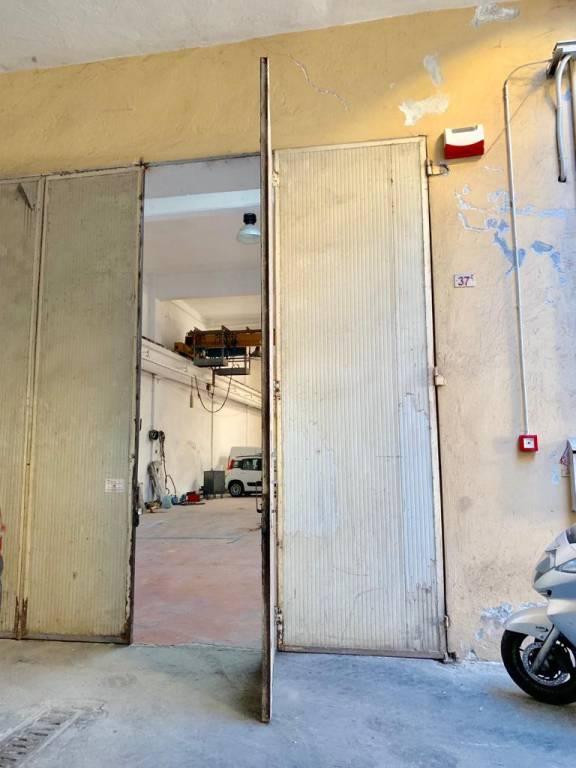 Capannone in vendita a Genova, 3 locali, zona Prà, prezzo € 200.000   PortaleAgenzieImmobiliari.it