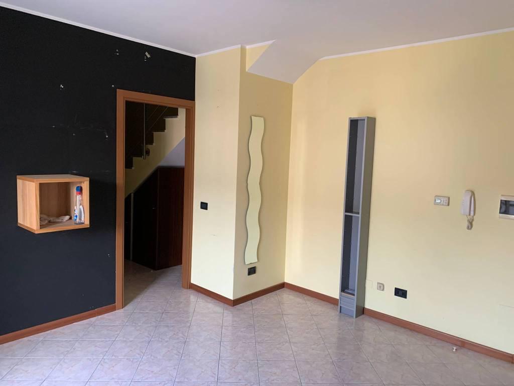 Attico / Mansarda in vendita a Fara Gera d'Adda, 3 locali, prezzo € 130.000 | PortaleAgenzieImmobiliari.it