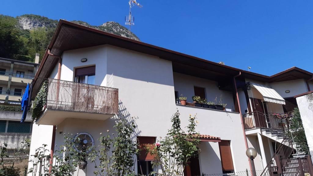 Appartamento in vendita a Pescate, 3 locali, prezzo € 165.000 | CambioCasa.it