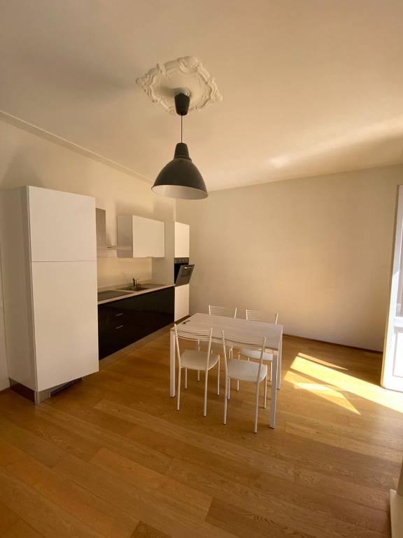 Appartamento in affitto a Alba, 5 locali, prezzo € 800 | CambioCasa.it