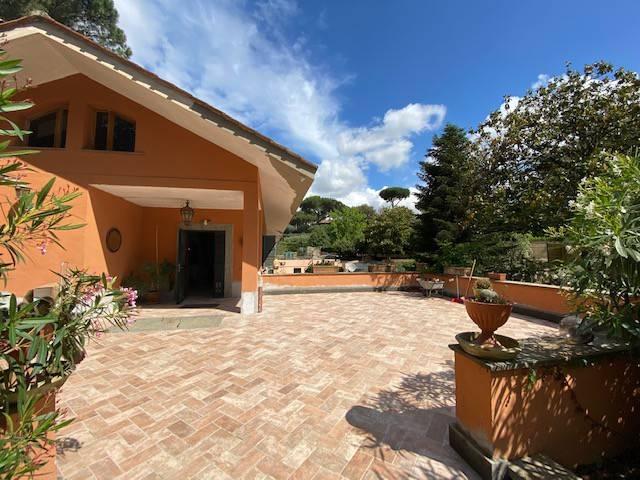 Villa in vendita a Roma, 8 locali, zona Zona: 42 . Cassia - Olgiata, prezzo € 430.000 | CambioCasa.it