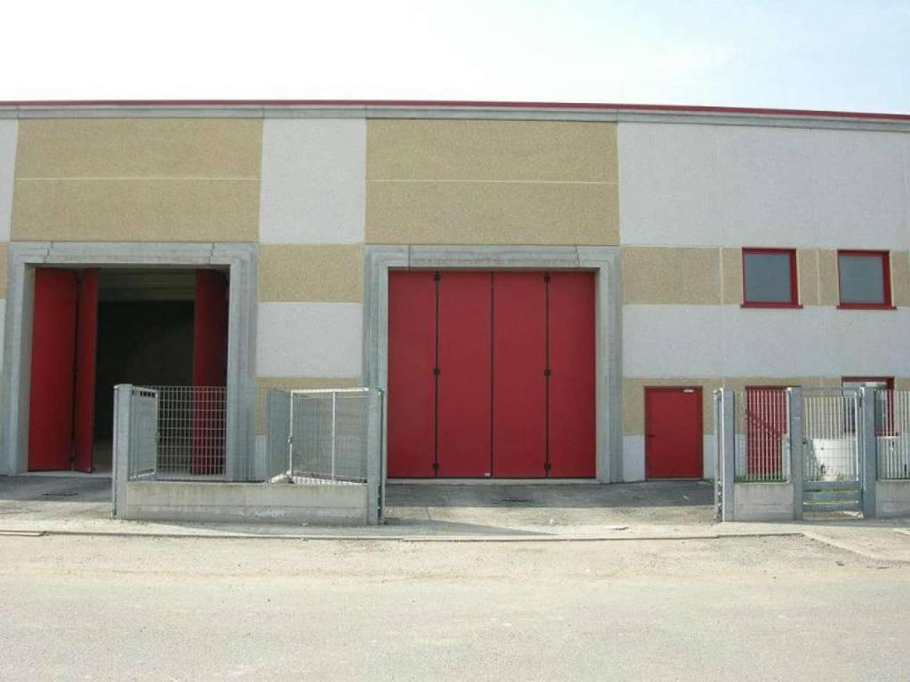 Capannone in affitto a Inzago, 1 locali, prezzo € 2.500   CambioCasa.it