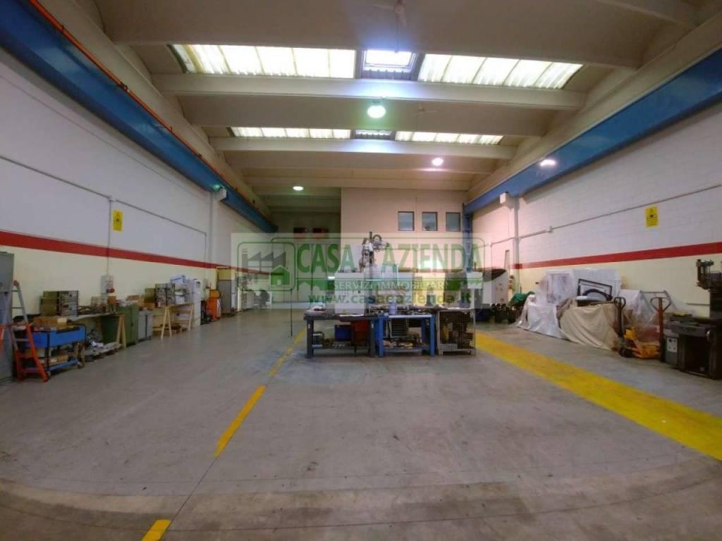 Capannone in vendita a Bussero, 3 locali, prezzo € 490.000   CambioCasa.it