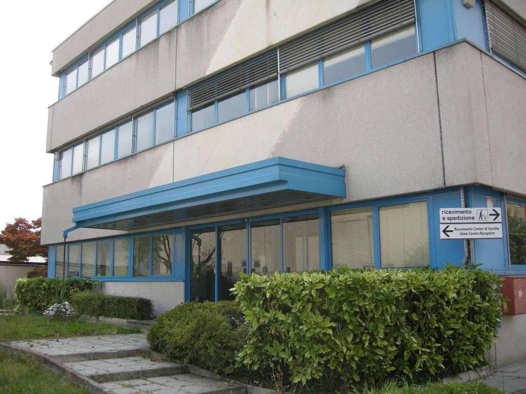 Ufficio / Studio in affitto a Cernusco sul Naviglio, 1 locali, prezzo € 24.750 | CambioCasa.it