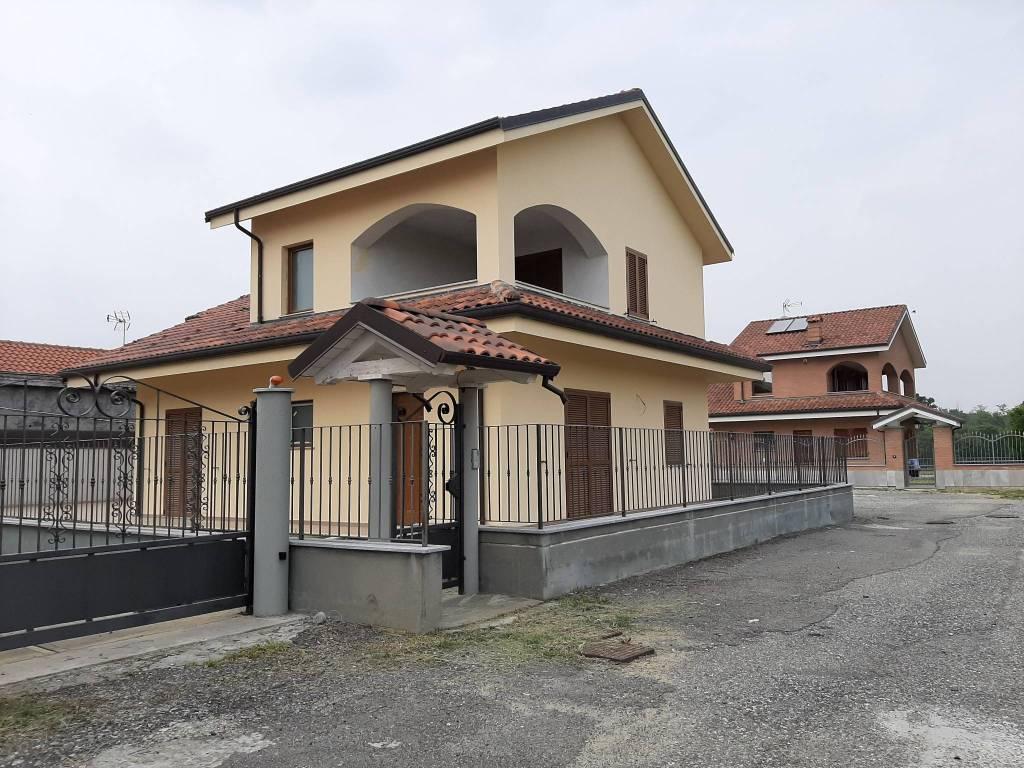 Foto 1 di Villa strada Corio 72, San Carlo Canavese