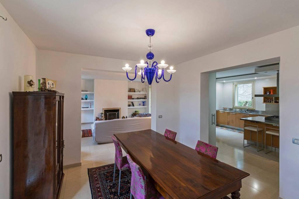 Villa in vendita a Pesaro, 9 locali, Trattative riservate   CambioCasa.it