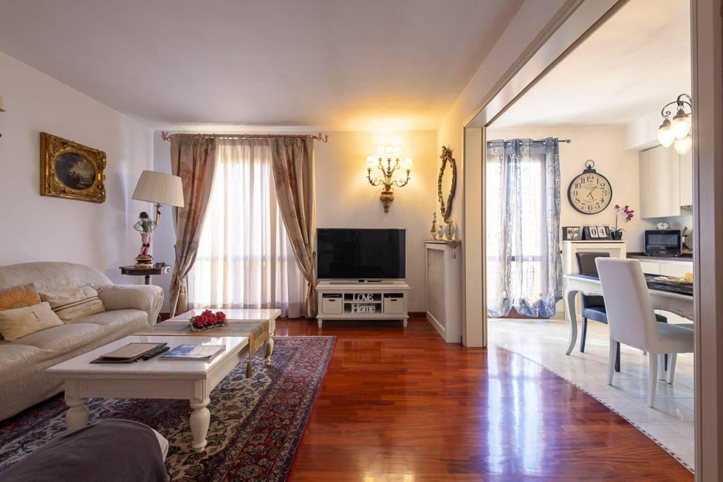 Appartamento in Vendita a Pontedera Centro: 5 locali, 161 mq