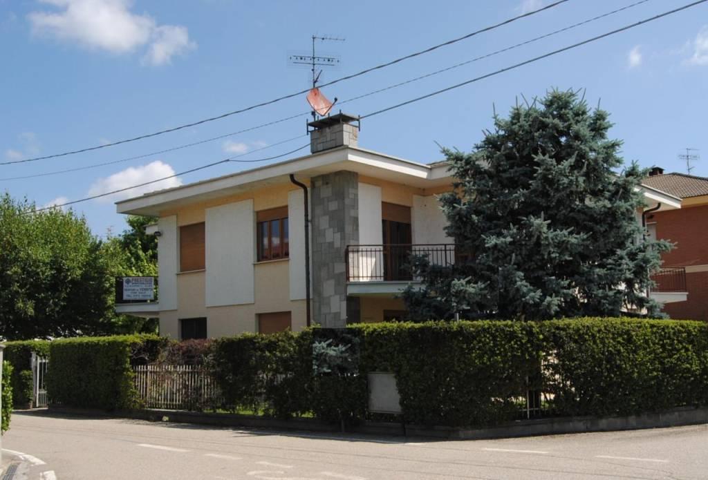Appartamento in vendita a Alba, 6 locali, prezzo € 170.000 | PortaleAgenzieImmobiliari.it
