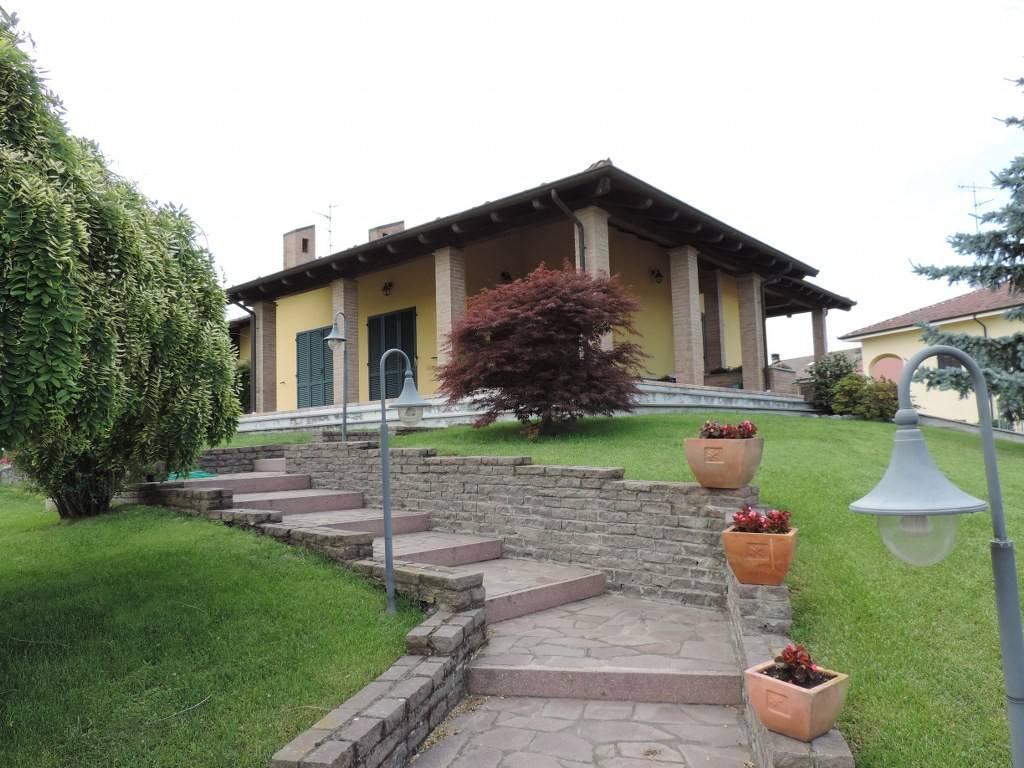 Villa in vendita a Stroppiana, 6 locali, prezzo € 395.000 | PortaleAgenzieImmobiliari.it