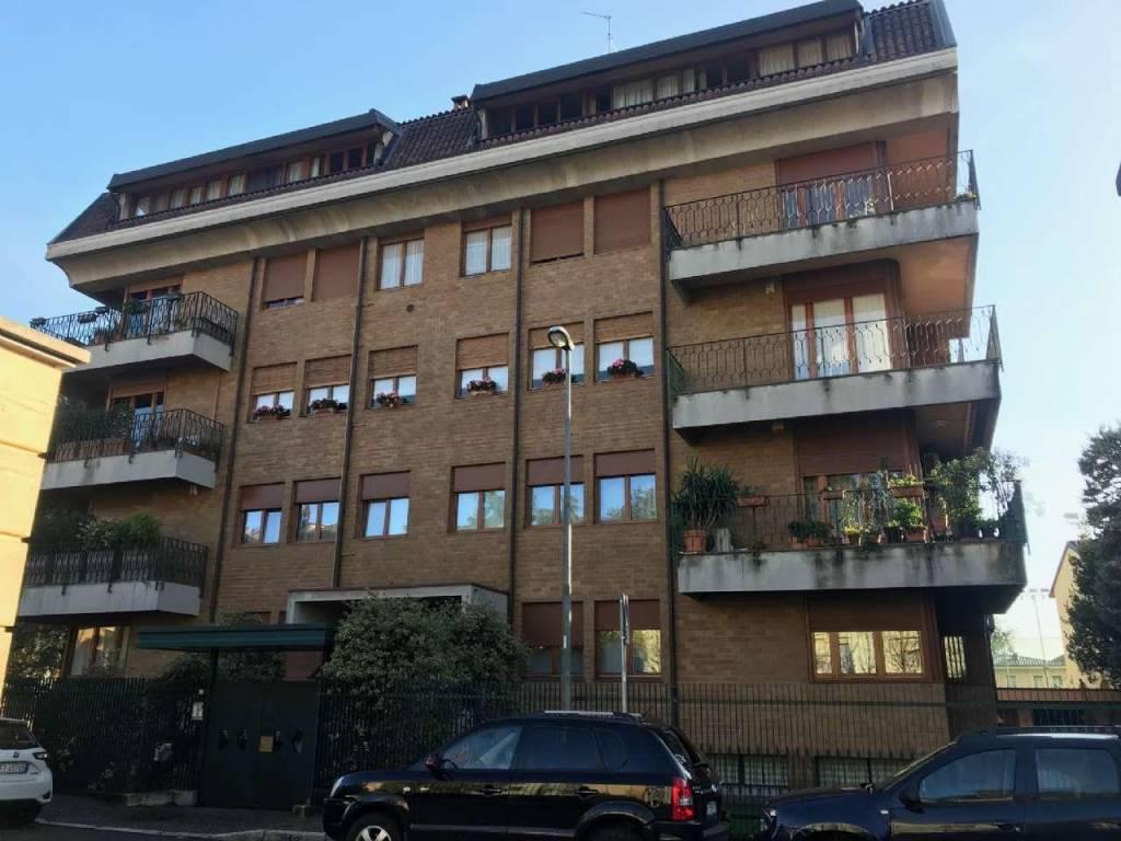 Appartamento in vendita a Desio, 4 locali, prezzo € 242.000 | CambioCasa.it