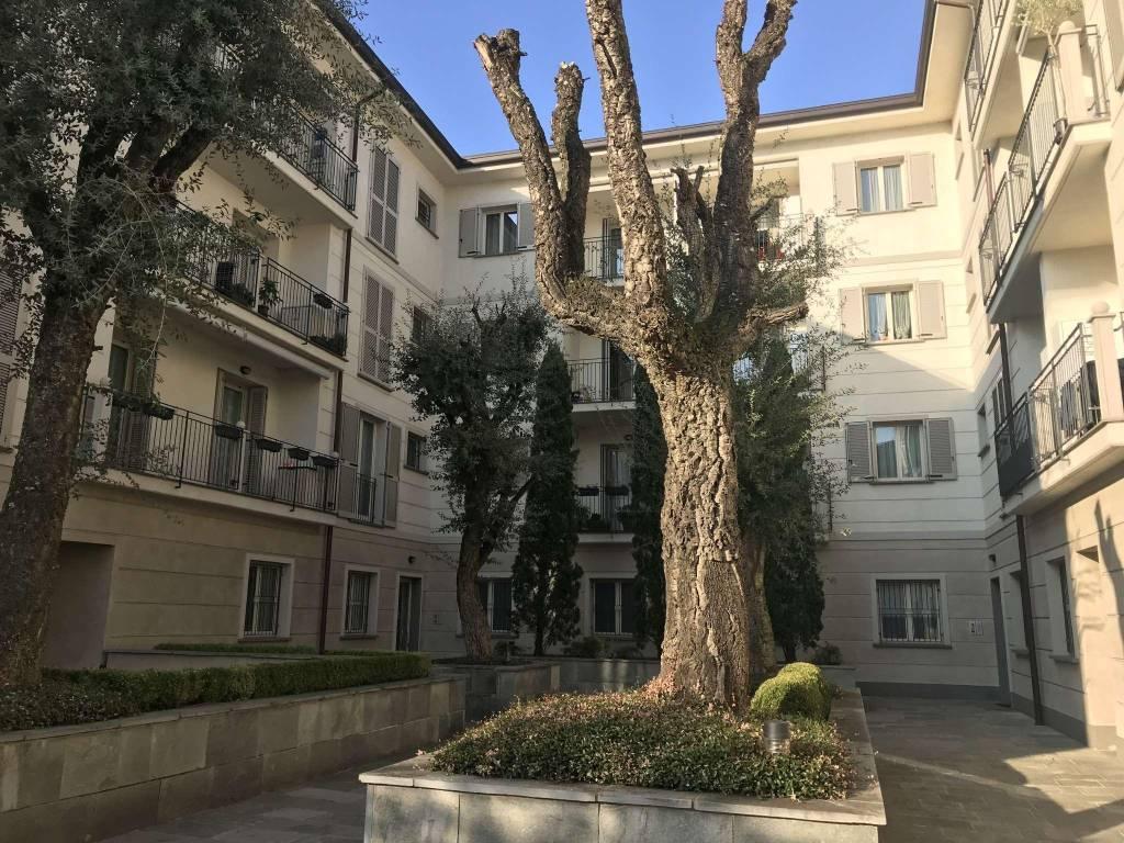 Appartamento in vendita a Cormano, 4 locali, prezzo € 360.000   CambioCasa.it