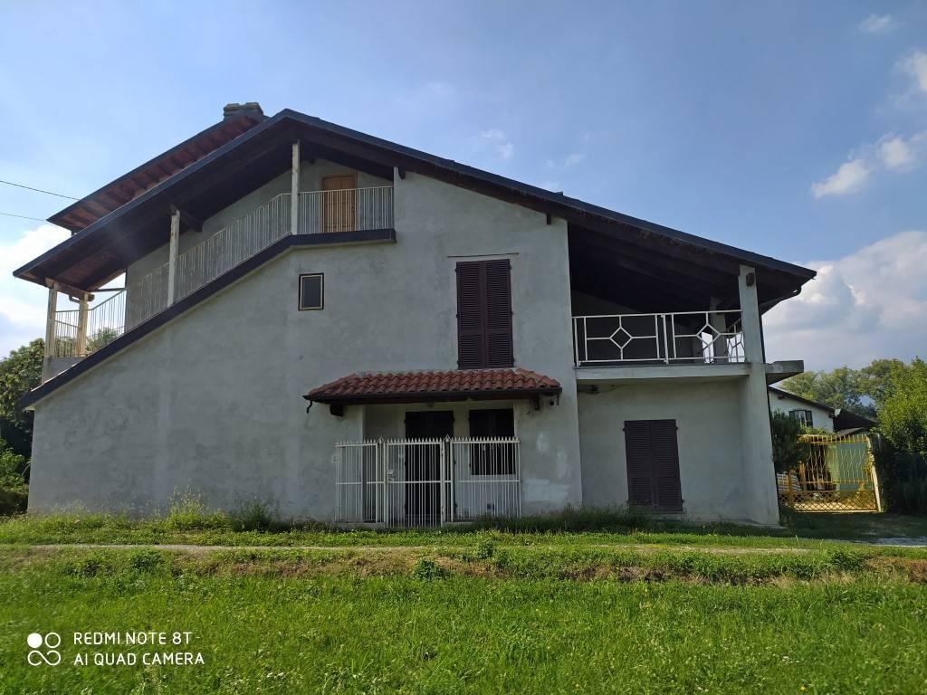 Rustico / Casale in vendita a Ciriè, 4 locali, prezzo € 80.000 | PortaleAgenzieImmobiliari.it
