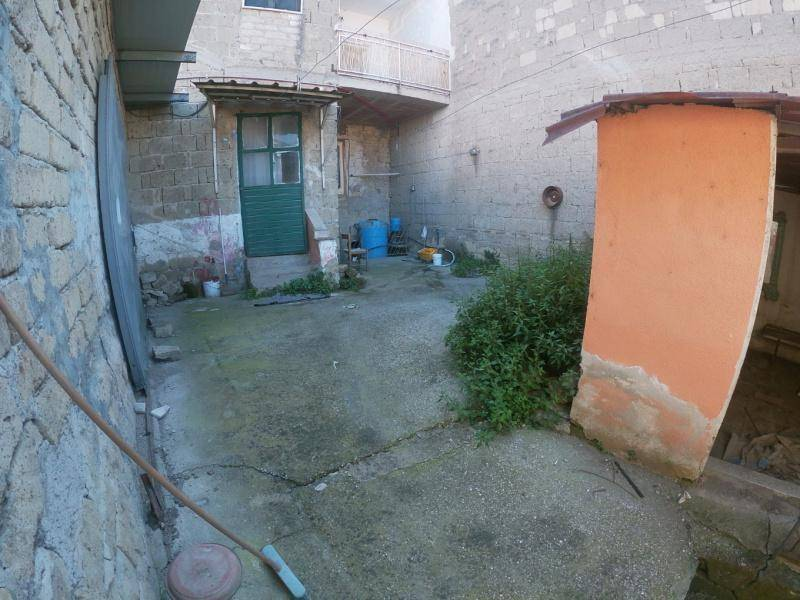 Appartamento in vendita a Parete, 5 locali, prezzo € 75.000 | PortaleAgenzieImmobiliari.it