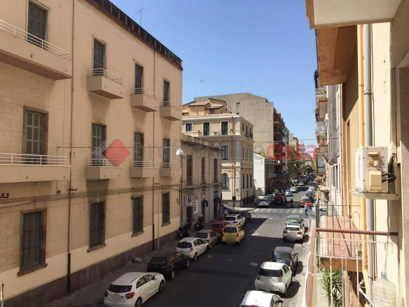 Appartamento in Affitto a Catania Centro: 5 locali, 240 mq