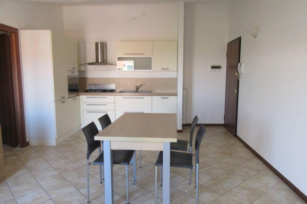Appartamento in buone condizioni arredato in vendita Rif. 5151129