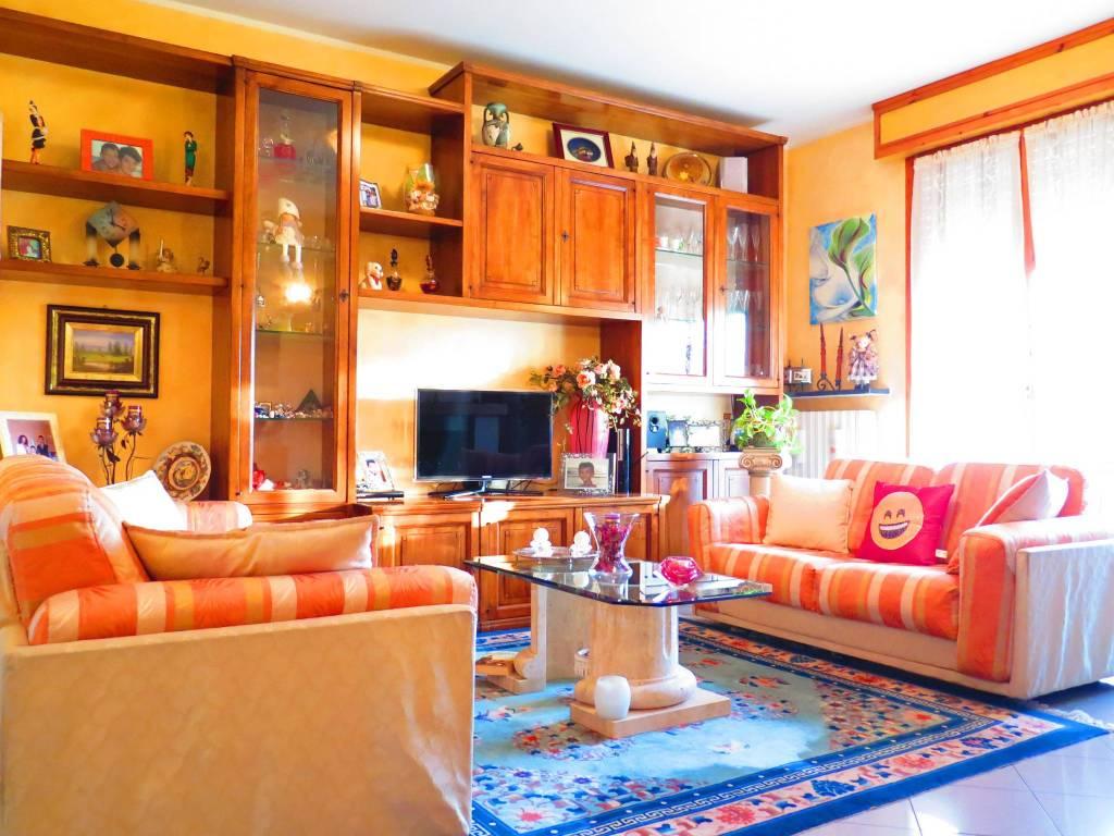 Appartamento in vendita a Torrile, 3 locali, prezzo € 108.000 | CambioCasa.it