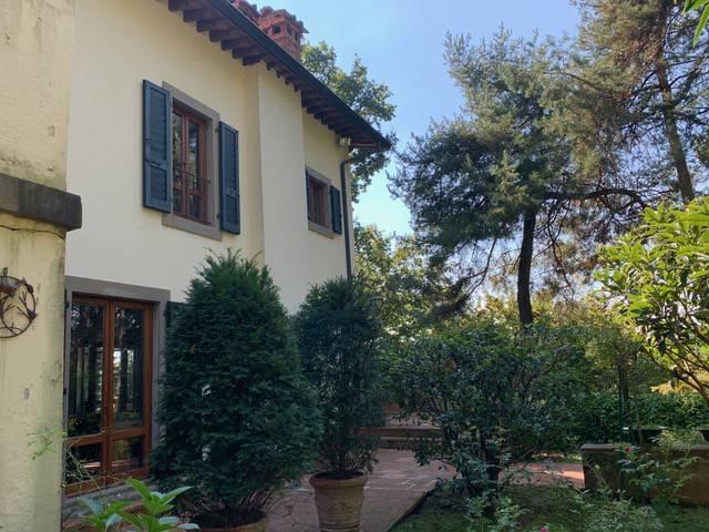 Villa in vendita a Venegono Inferiore, 6 locali, prezzo € 990.000   PortaleAgenzieImmobiliari.it