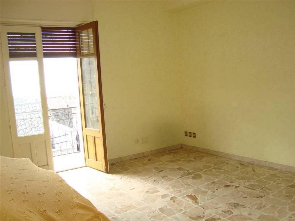 Appartamento in Vendita a San Pietro Clarenza Centro: 2 locali, 70 mq