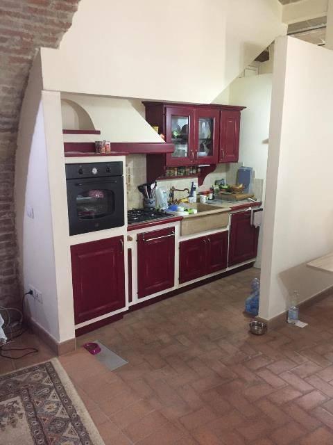 Appartamento in Affitto a Magione: 2 locali, 70 mq