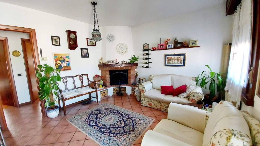 Appartamento in vendita a Vignate, 3 locali, prezzo € 148.000 | CambioCasa.it